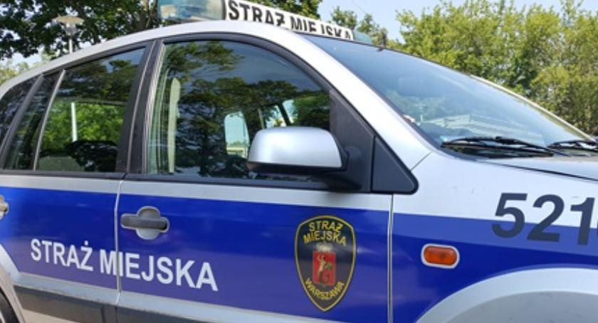 Bezpieczeństwo, Rasistowski Marymonckiej Sprawca ujęty przez straż miejską - zdjęcie, fotografia
